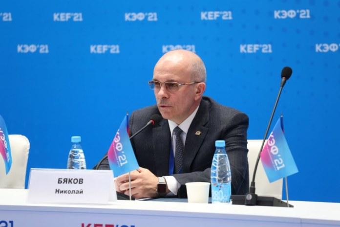 Миниатюра для: Крупный сибирский автодилер подписал соглашение с СГК, «Россетями» и СФУ о развитии электрозарядной инфраструктуры