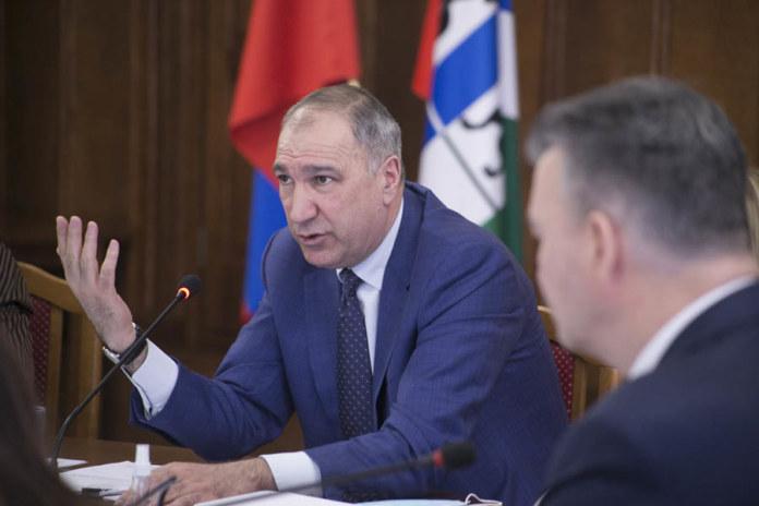 Миниатюра для: Депутаты потребовали обустройства трамвайных остановок в Новосибирске