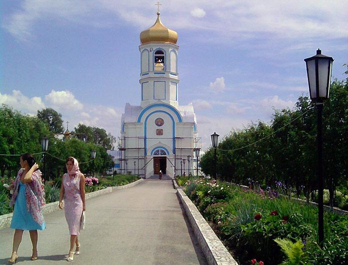 храм Александра Невского Покровский Александро-Невский женский монастырь Колывань