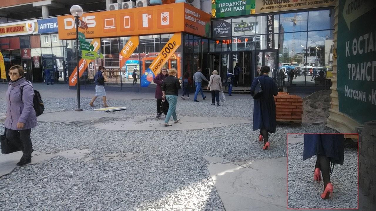 """""""Вопиющее неуважение к пешеходам"""": новосибирцы пожаловались на стройку на площади Маркса - Фотография"""