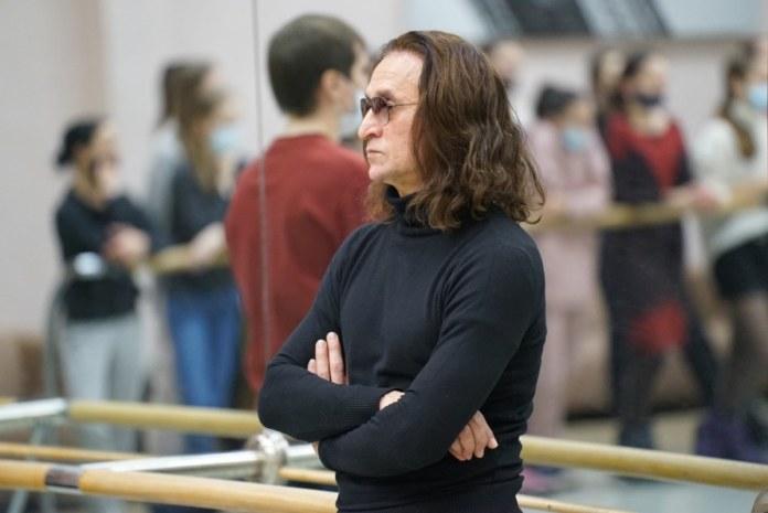Миниатюра для: Фарух Рузиматов ушёл с должности руководителя балетной труппы НОВАТа