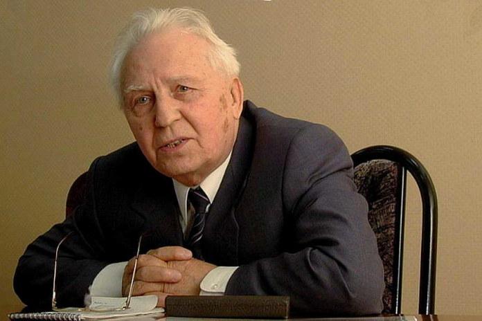 Миниатюра для: Анатолий Локоть о смерти Егора Лигачева: «Академики в возрасте здоровались с ним с почтением»
