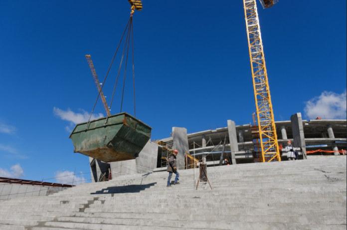 Миниатюра для: Остекление фасада будущей новосибирской ледовой арены запланировано на июнь