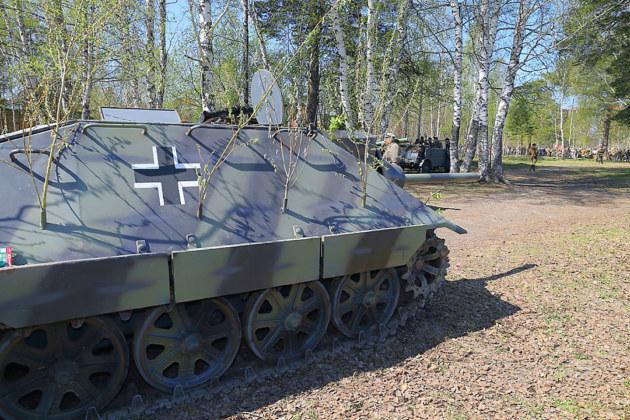 ФОТОБАНК. Реконструкция подвига артиллериста из Новосибирска в боях за Псков - Фото