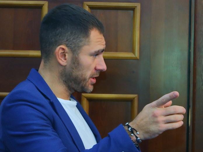 Антон Лыков