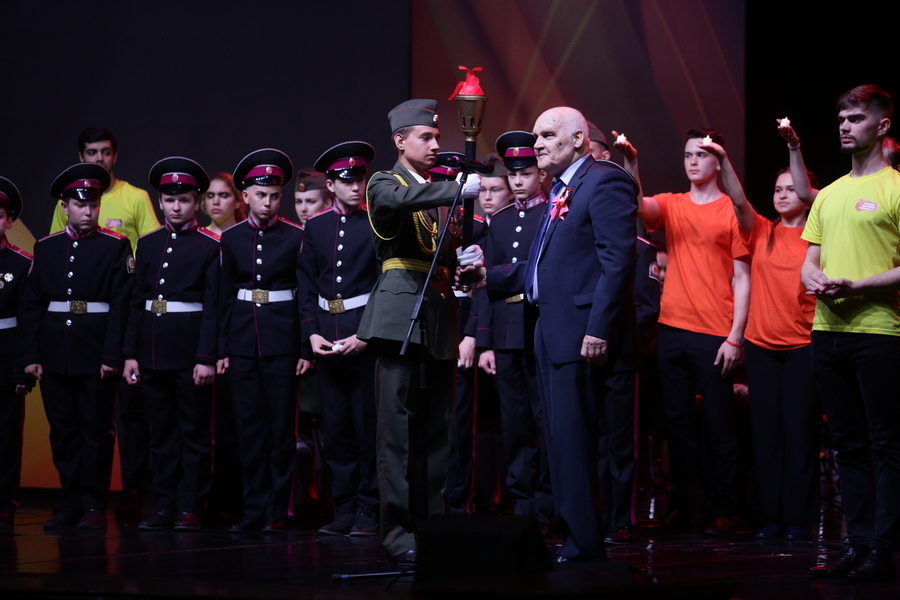 Масштабную патриотическую акцию продолжат в Новосибирске юные горожане - Изображение
