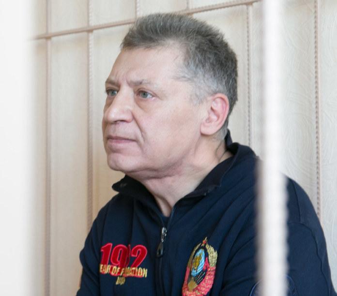 Миниатюра для: Источник: Новосибирский бизнесмен Олег Яровой выпущен под подписку о невыезде