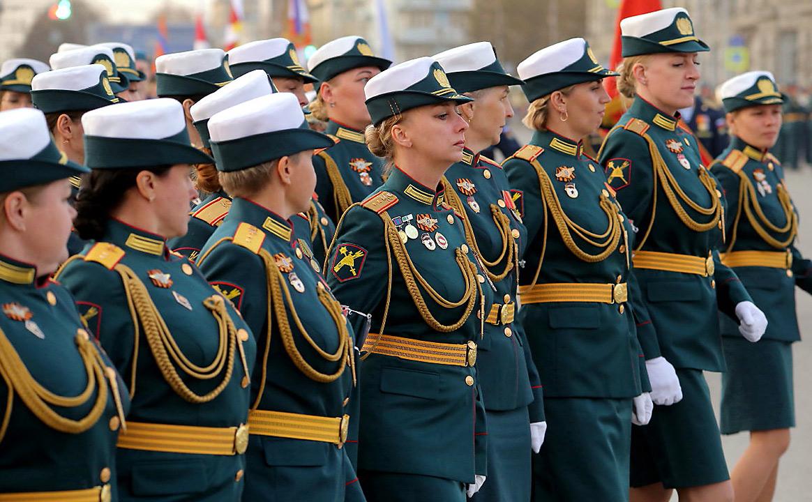 Репетиция Парада Победы женщины военные