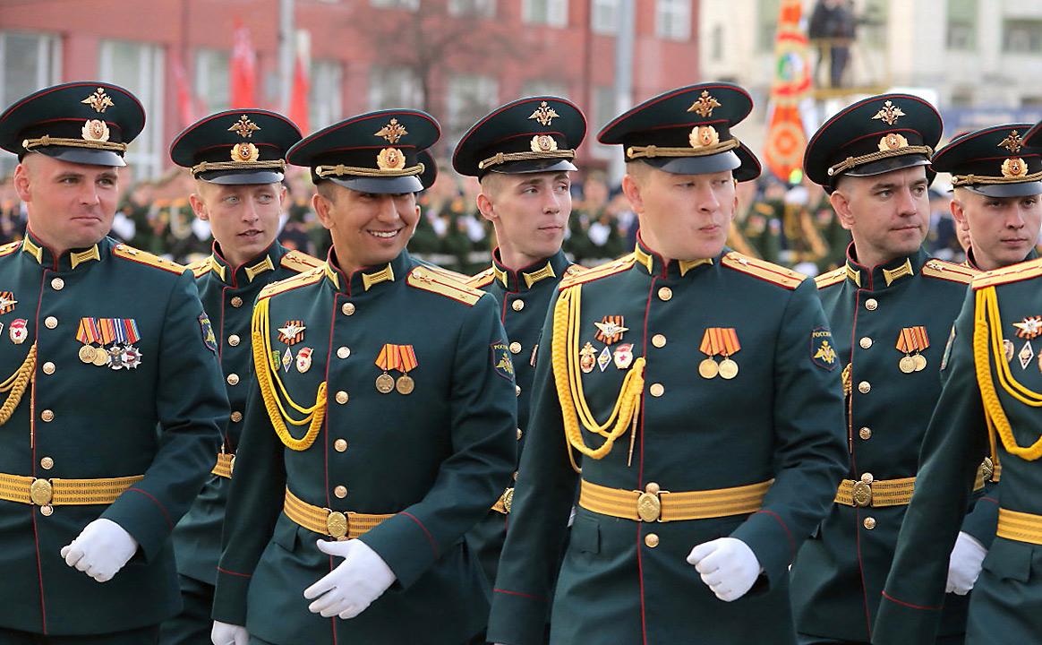 Репетиция Парада Победы офицеры в строю