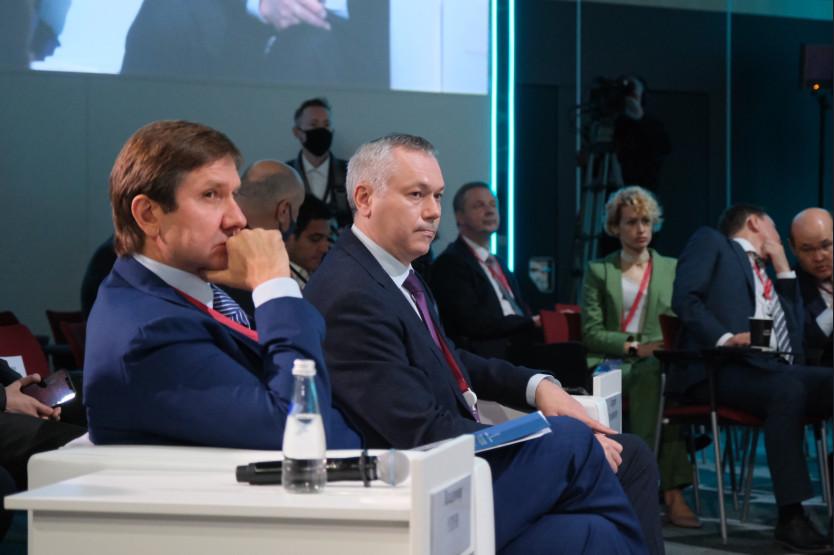 Андрей Травников и Сергей Кравцов на Петербургском экономическом форуме