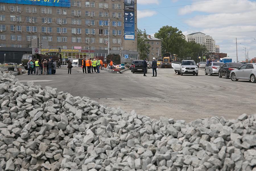 Основной объем работ по реконструкции площади Лыщинского в Новосибирске будет выполнен до конца года - Изображение