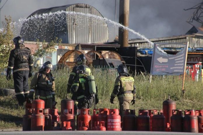 Пожар на АЗГС в Новосибирске