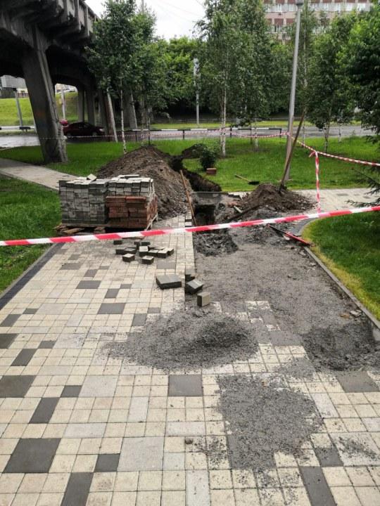 Миниатюра для: Строительство дороги возле новосибирского ЖК «Флотилия» временно приостановлено из-за конфликта с жильцами