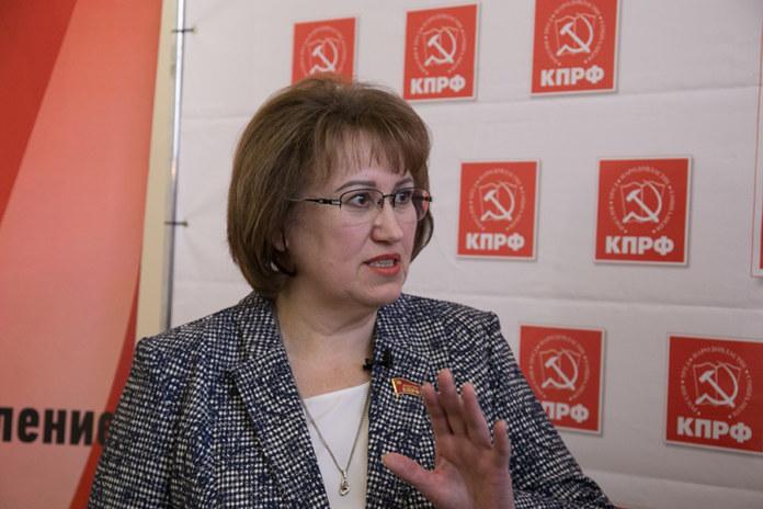 Миниатюра для: Новосибирский депутат Госдумы пожаловалась на подозрительный перевод