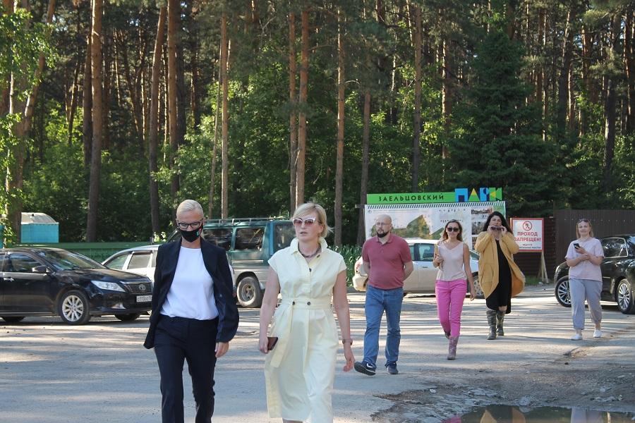 Прибытие вице-мэра и администрации новосибирских парков.