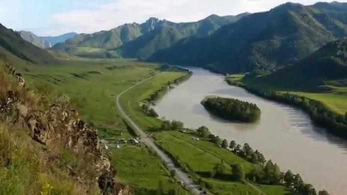 Миниатюра для: Туристы увеличили спрос на интернет в Горном Алтае: МТС назвал самые «горячие точки»