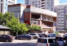 Недостроенное здание в Новосибирске