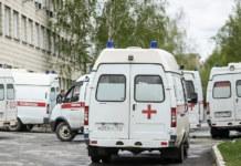Очередь из машин скорой помощи Новосибирск