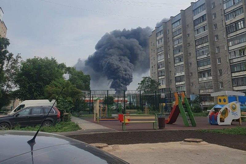 Еще один крупный пожар произошел в Новосибирске на территории металлургического завода - Фотография
