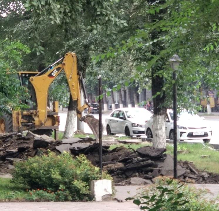 Масштабный ремонт на улицах Титова и Станиславского вызвал недовольство жителей Новосибирска - Фото
