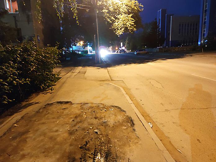яма на дороге