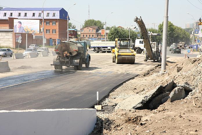 Как в Новосибирске будут ремонтировать дороги, обновлять технику и получать на это финансирование