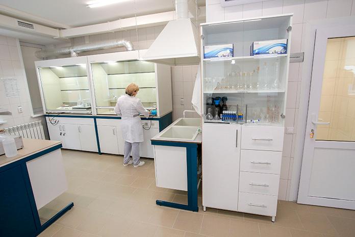 лаборатория по контролю качества сточных вод