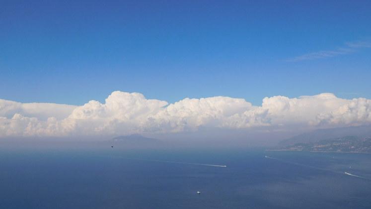 облака Италия