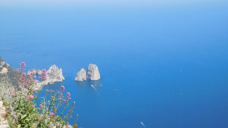 море скалы италия