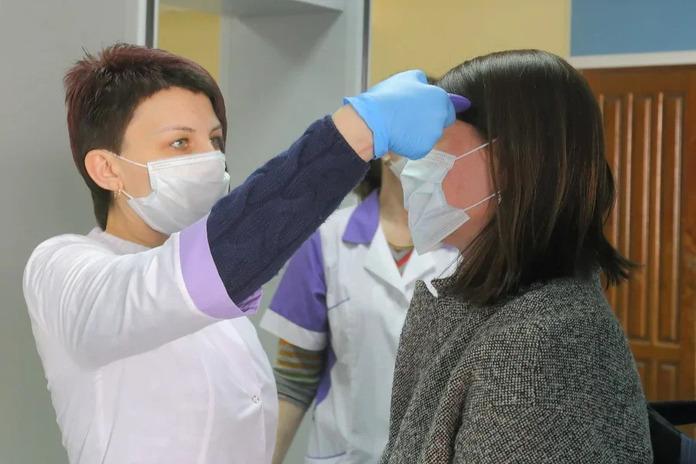 196 случаев заражения COVID-19 выявили в Новосибирской области
