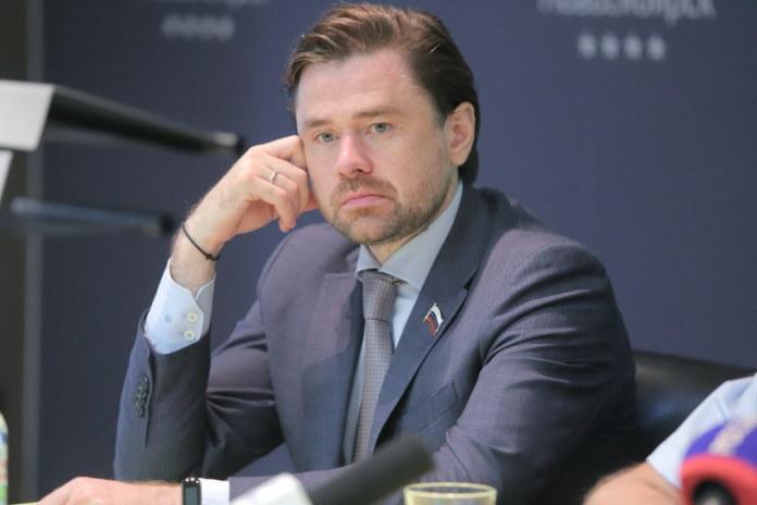 Миниатюра для: Новосибирский избирком принял заявления от кандидатов в депутаты Госдумы по одномандатным округам