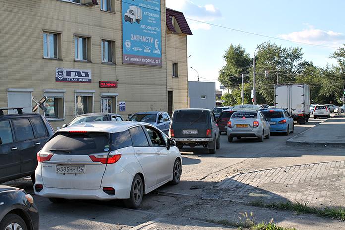 Пробка на ул. Связистов