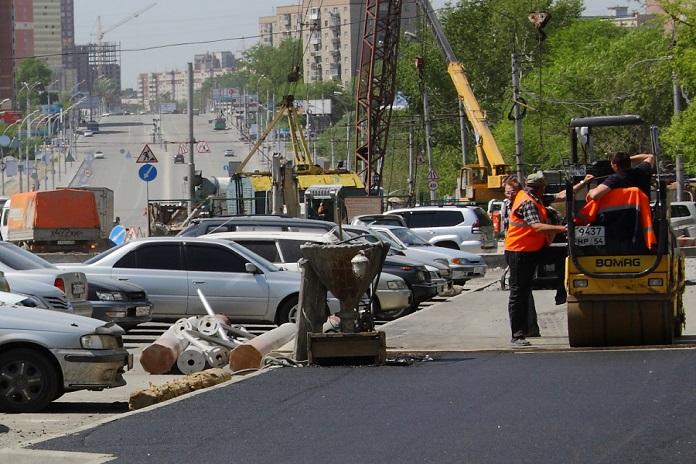 Губернатор Новосибирской области Андрей Травников потребовал устранить дефекты на дорогах нацпроекта БКД в Новосибирске