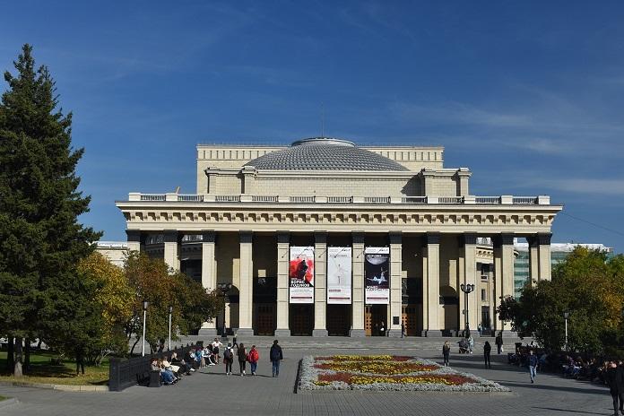 Театр оперы и балета в Новосибирске