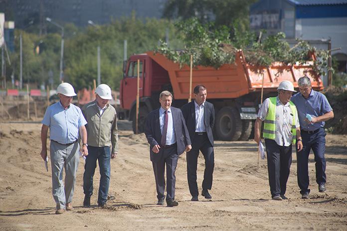 Анатолий Локоть подчеркнул, что людям нужна была полноценная автострада, чтобы помочь решить проблемы транспортной доступности района