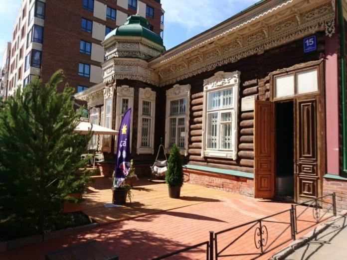 Миниатюра для: Рядом с MilkHouse в Новосибирске открылась летняя терраса нового ресторана