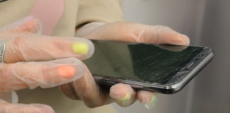 врач мобильный телефон вызов звонок