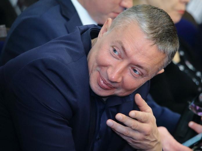 Кандидат в депутаты Виталий Новосёлов