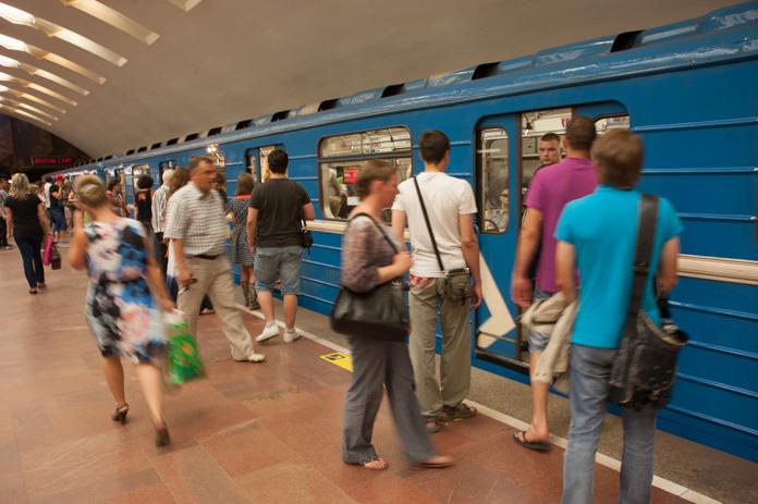 Миниатюра для: Минцифры отказало МТС и «Мегафону» в тестировании 5G в новосибирском метро