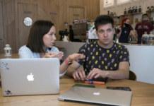 Светлана Рацкевич, PR-менеджер сети кофеен «Академия Кофе» и Артем Литвинцев, специалист ИТ-департамента сети кофеен «Академия Кофе»