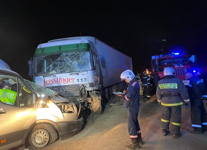 СУ СКР по Новосибирской области займется расследованием ДТП с семью пострадавшими