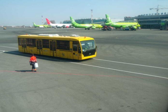 летное поле в аэропорту Толмачево Новосибирск