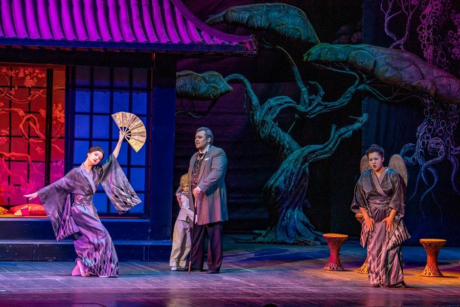 Андрей Меркульев в роле Шарплеса в опере Джакомо Пуччини «Мадам Баттерфляй»