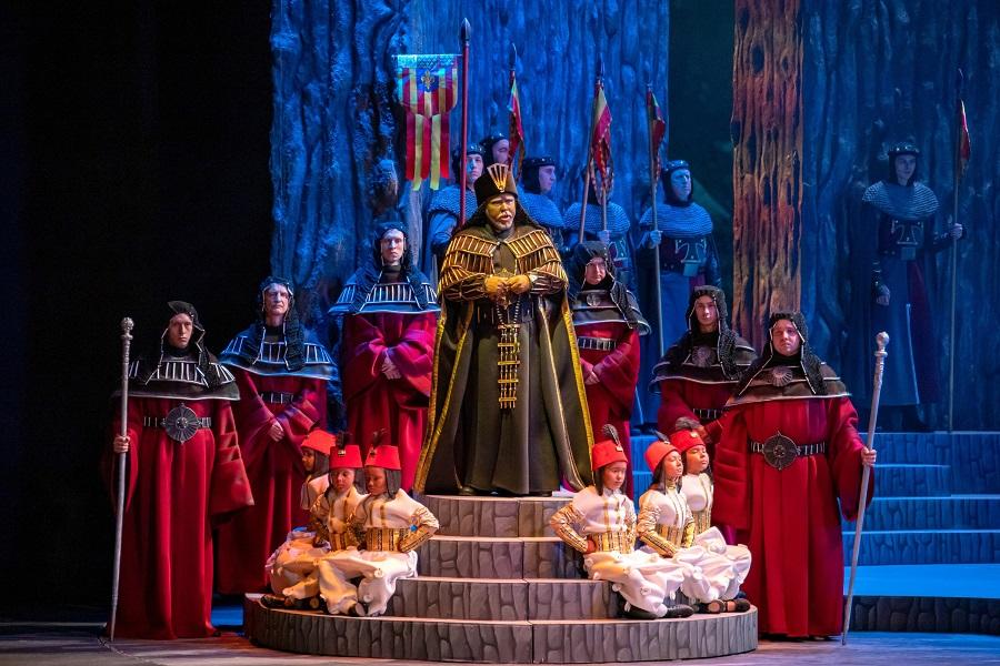 Андрей Меркульев в роли Эбн-Хакиа в опере Петра Чайковского «Иоланта»