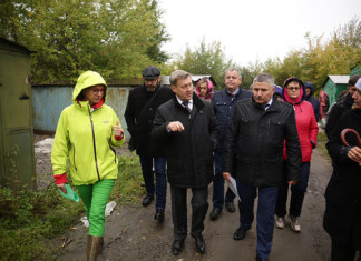 По словам мэра Новосибирска Анатолия Локтя неухоженная запущенная территория около реки Каменка будет превращена в парковую зону