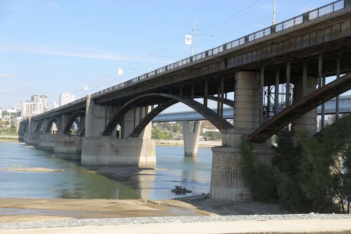 ООО «СтройСити» отремонтирует Октябрьский мост