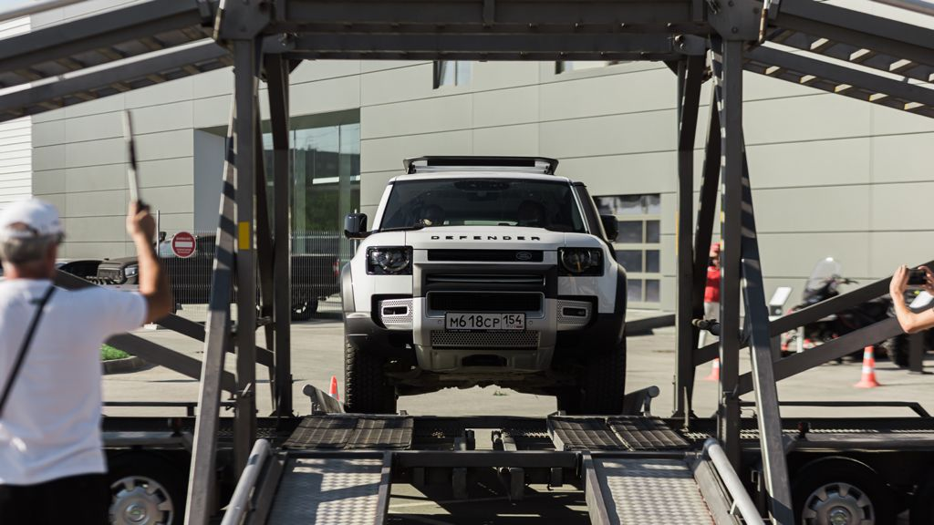 В Новосибирске прошло мероприятие Jaguar и Land Rover в формате Expierence - Фотография