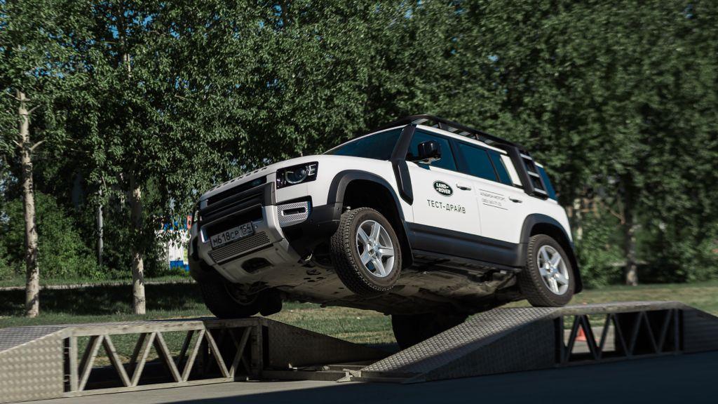 В Новосибирске прошло мероприятие Jaguar и Land Rover в формате Expierence - Изображение