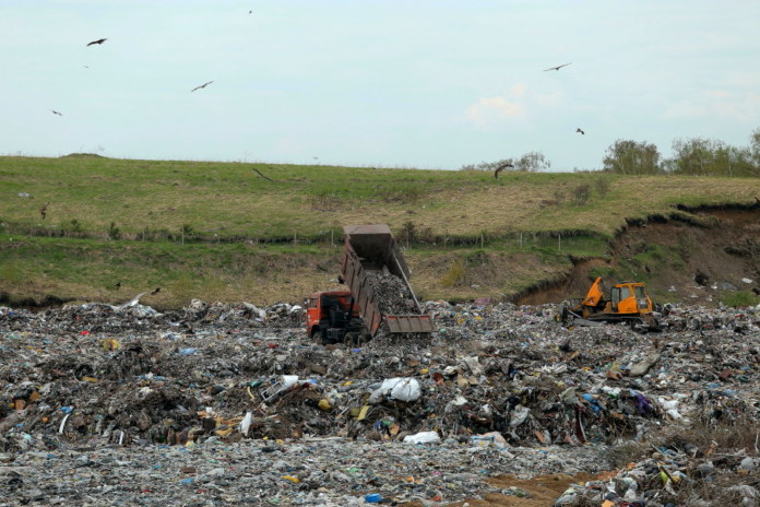 Миниатюра для: ГЛОНАСС не помог новосибирскому регоператору отбиться от стомиллионного иска перевозчиков мусора