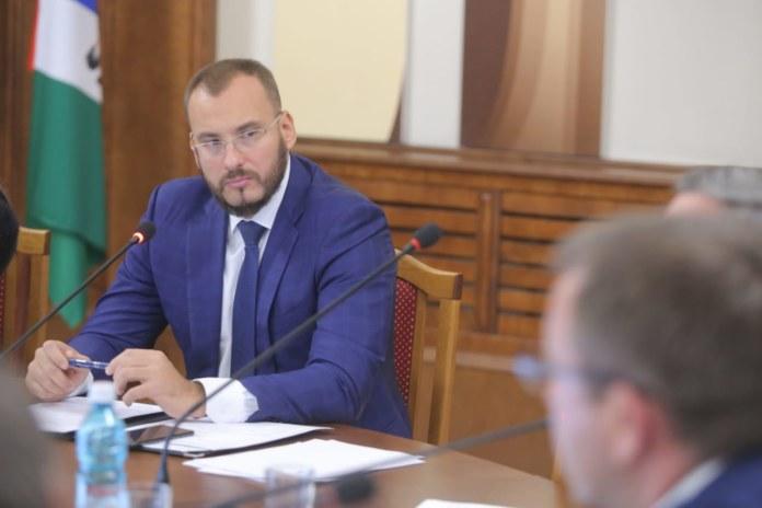 Миниатюра для: Депутаты Заксобрания разбирались, почему застопорилась «мусорная» реформа в Новосибирской области